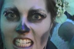 Frau Zombiegesicht 2