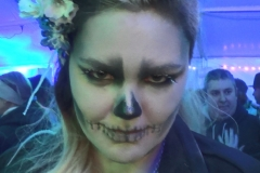 Frau Zombiegesicht